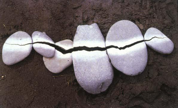 Land art (sculptures parfois éphémères) Goldsworthy-pepples